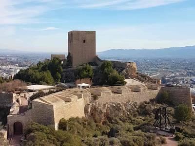 Das mittelalterliche Castillo de Lorca ist Teil des christlich-islamischen Kulturerbes der Region Murcia.