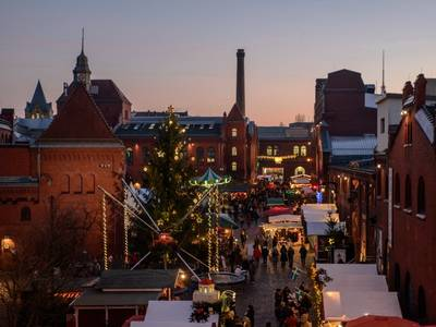 Weihnachtssingen im Kiez – der Lucia-Weihnachtsmarkt in der Kulturbrauerei