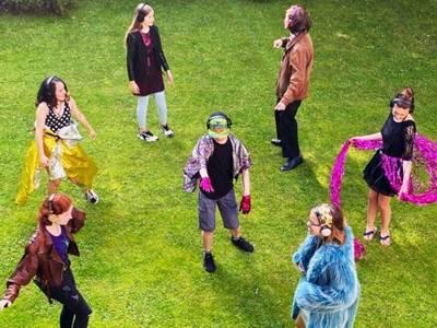 Blühende Randschaften * Stadt_Ionen – Junges Schlossplatztheater