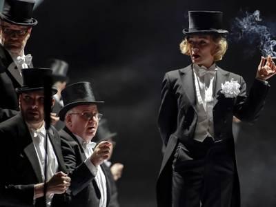 Spatz und Engel – Renaissance-Theater Berlin