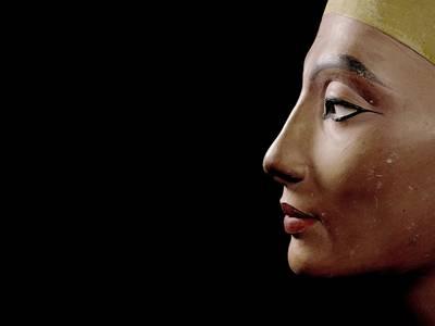 Büste der Königin Nofretete, Neues Reich, 18. Dynastie, Amarna, Ägypten, Um 1340 v. Chr.