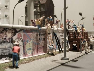 Erstürmung der Mauer. Ausstellungsdetail