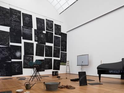 Joseph Beuys, DAS KAPITAL RAUM 1970–1977, 1980, Detail, Staatliche Museen zu Berlin, Nationalgalerie, Sammlung Marx
