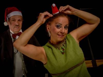 Duo PianLola  - Weihnachtskabarett – von links: Jorge Idelsohn, Lola Bolze