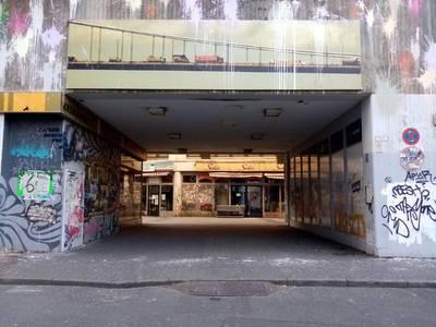 Durchgang am Kottbusser Tor