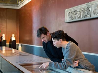 Familienführung im Neuen Museum