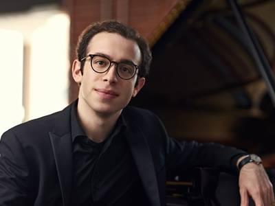 Nicolas Namoradze